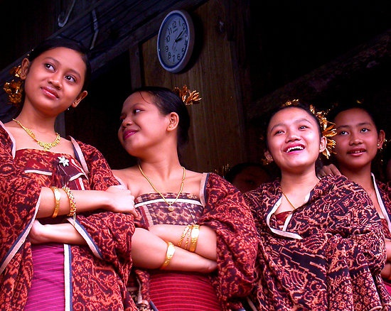 kain gringsing tenganan dalam upacara adat