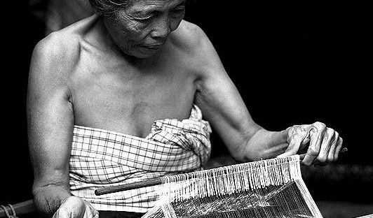 Kain Tenun Geringsing Tenganan Bali