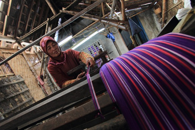 Ragam Kain Tenun Adat Indonesia Budaya Adiluhung Nusantara 2